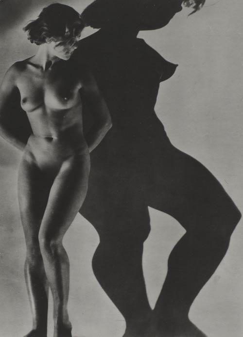 Dora-Maar-Assia-nue-1934