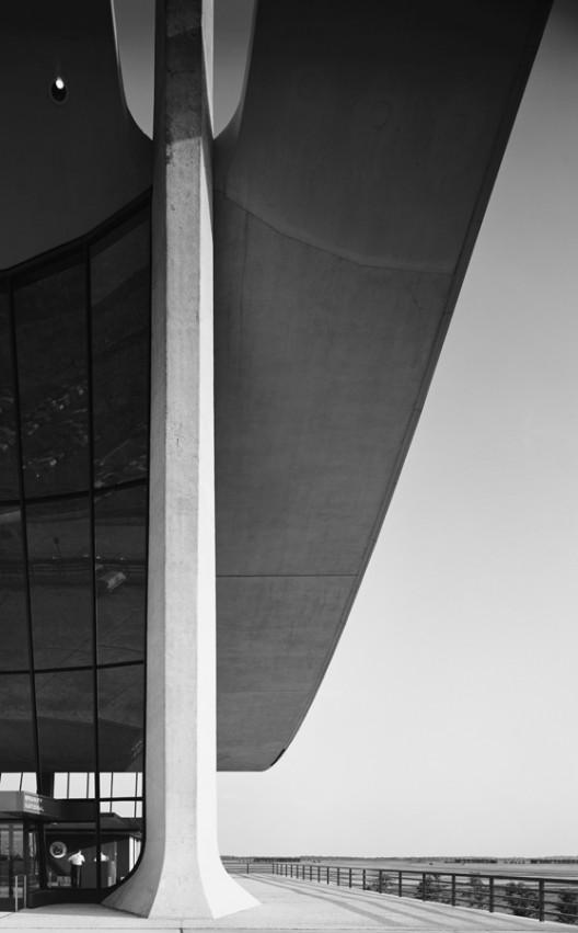Dulles Airport, Eero Saarinen by Ezra Stoller