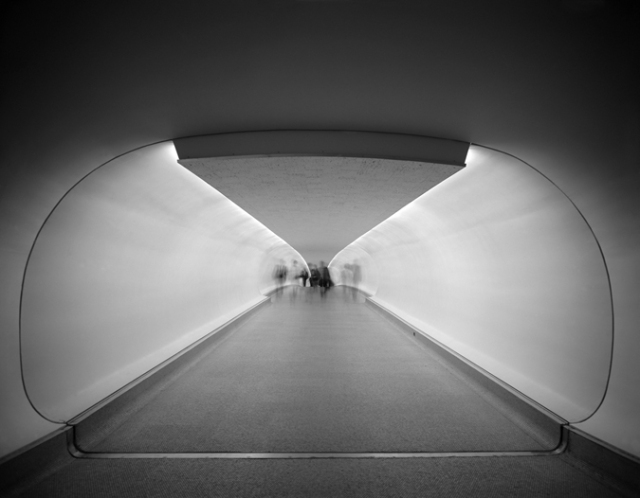 Ezra Stoller - TWA-Terminal-at-Idlewild-now-JFK-Airport-Eero-Saarinen-New-York-NY-1962-018