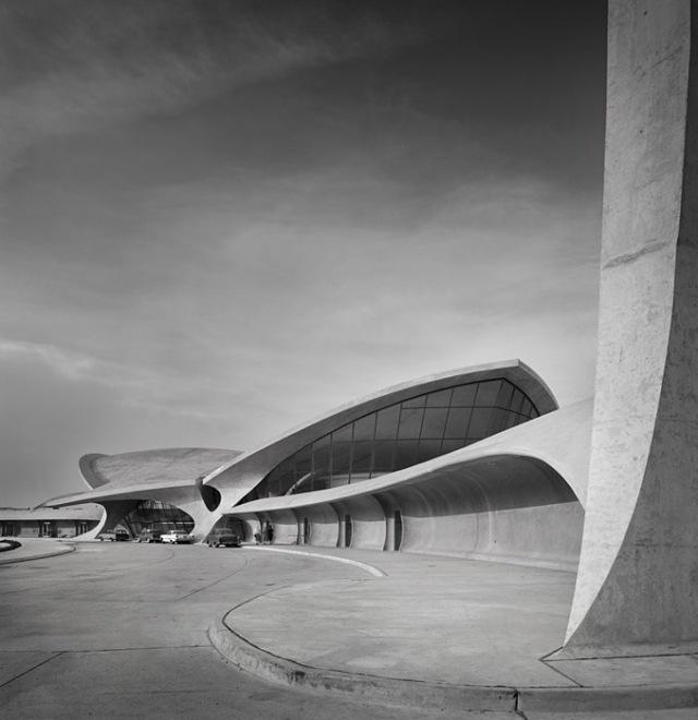 TWA Terminal at Idlewild (now JFK) Airport, Eero Saarinen by Ezra Stoller